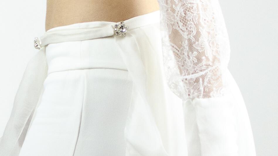 robe de mariée, tenue de mariée, pantalon, dentelle, deux pièces